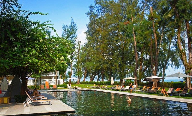 Medical tourism guests in Penang can recuperate in  the spacious grounds of Lone Pine Resort