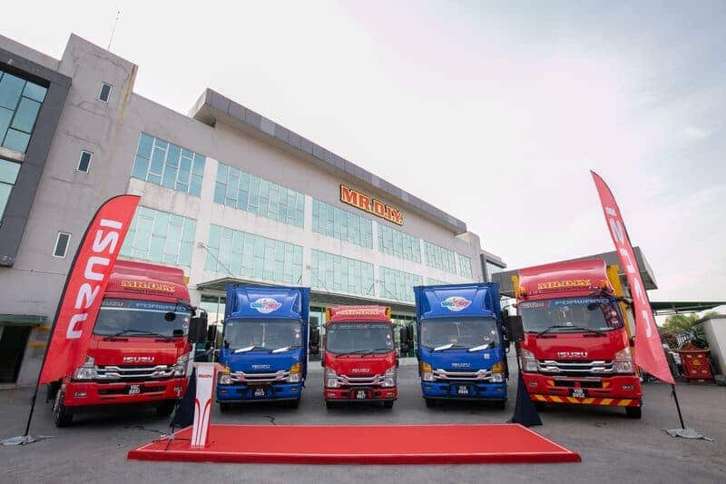 Isuzu Drives Mr D.I.Y. Further with Delivery of New Trucks