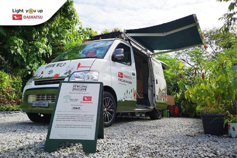 The Green Van by Daihatsu – Instant Industry Icon