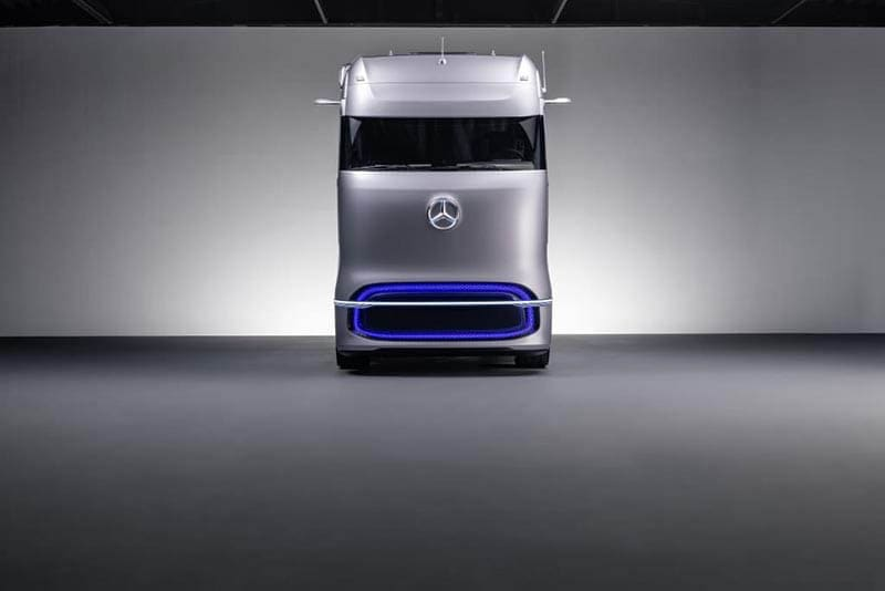 Daimler Trucks World Premiere of Mercedes-Benz Fuel-cell Concept Truck